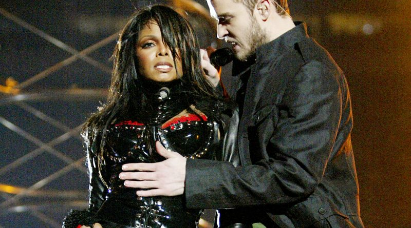 Mal funcionamento do figurino de Janet Jackson no Super Bowl.
